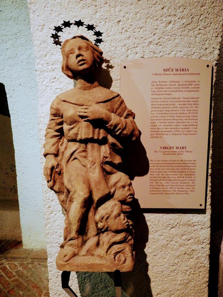 Tihany - Szűz Mária és Szent Ányos rk. templom, templombelső