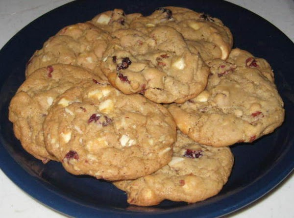 White Chocolate, Cranberry & Almond Cookies Recipe
