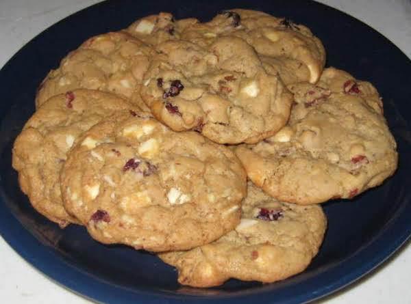 White Chocolate, Cranberry & Almond Cookies Recipe