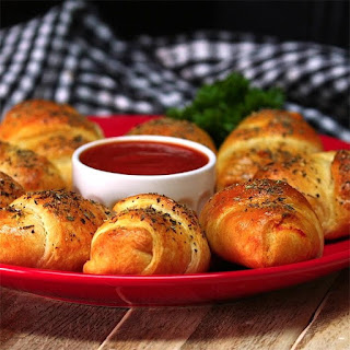 Mozzarella Pepperoni Croissants Are Easy and Kid-Friendly!