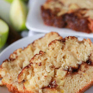 Warm Apple Pie Bread with Cinnamon! Recipe