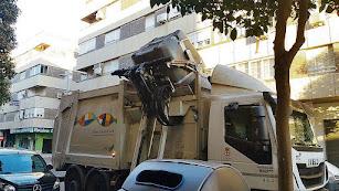Servicio de recogida de basura en la capital almeriense