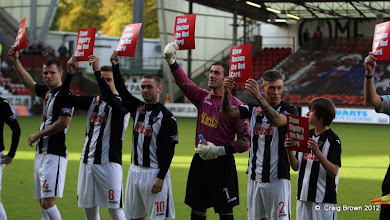 Photo: Dunfermline Athletic v Morton Irn Bru First Division East End Park 20 October 2012Dunfermline Athletic players take part in Show racism the red card(c) Craig Brown | StockPix.eu