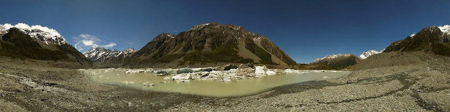 Photo: New Zealand, Southland, Mt Cook National Park, Hooker Valley Track, Hooker Lake