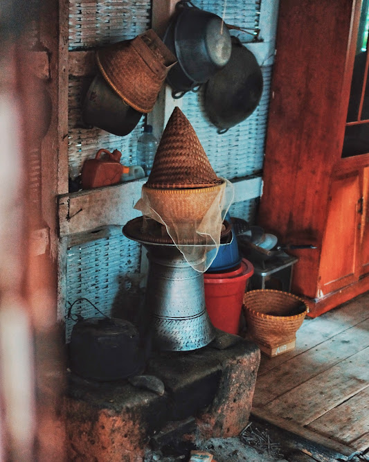 Suatu dapur di Kampung Naga