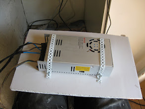 Photo: deddicated Power supply, 30A 12v, thats a lot of Umph!