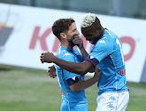 Napoli, met invaller Dries Mertens, wint ruim met 6-0 van Fiorentina
