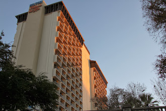 Photo: The Hilton Palacio del Rio - built for the 1968 World's Fair. Each room was built completely off site as a cube - then transported to the site and stacked together. I think it should be the Hilton Lego ...