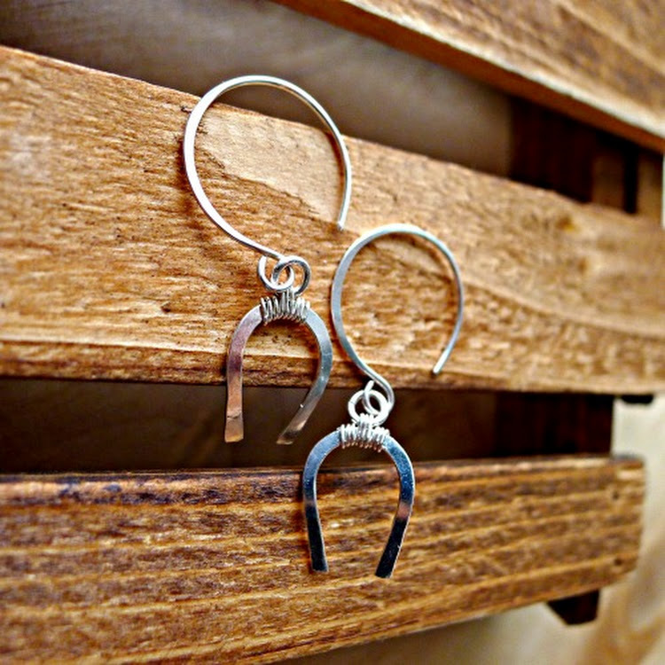 (NEW)Horse Shoe Argentium Silver Earrings by Heavenly Gems