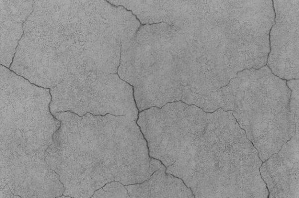 Bề mặt bê tông bị nứt do không dưỡng hộ hoặc dưỡng họ không đúng cách