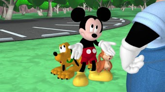 Mickey va à la pêche
