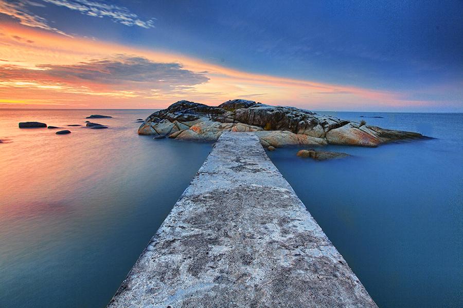 by Jomandi Loka - Landscapes Waterscapes