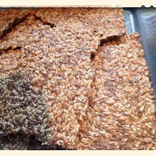Munch, munch, munch…Seed Crisp Crackers (LCHF Friendly).