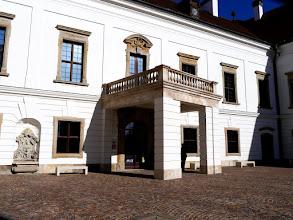 Photo: A kastély udvari bejárata - Pápa