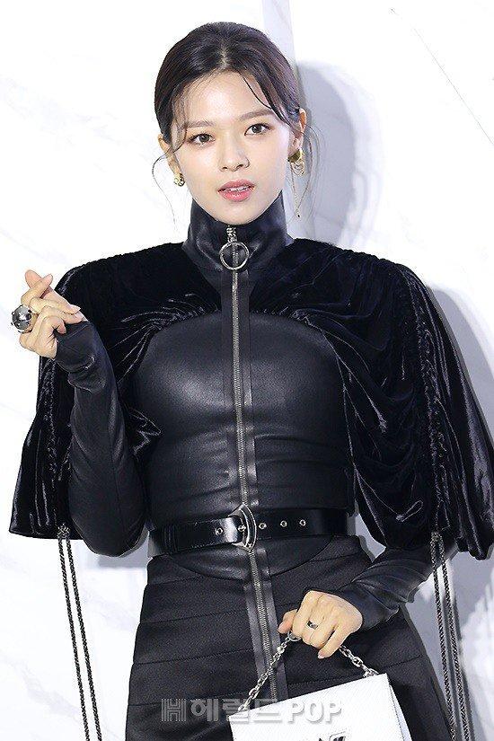 jeongyeon louis vuitton