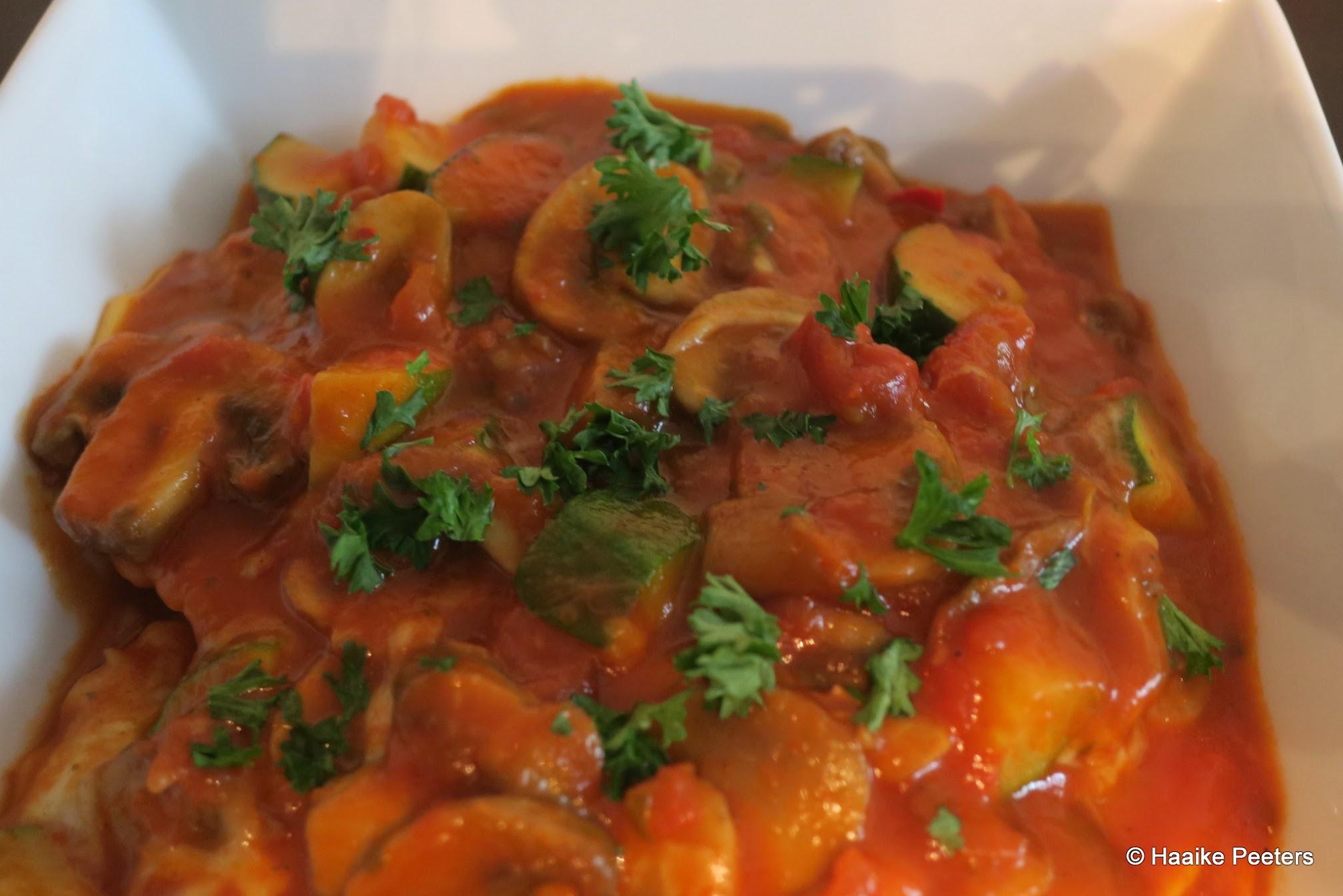 Agnolotti all'arrabiata met courgette, champignons en mozzarella (Le petit requin)