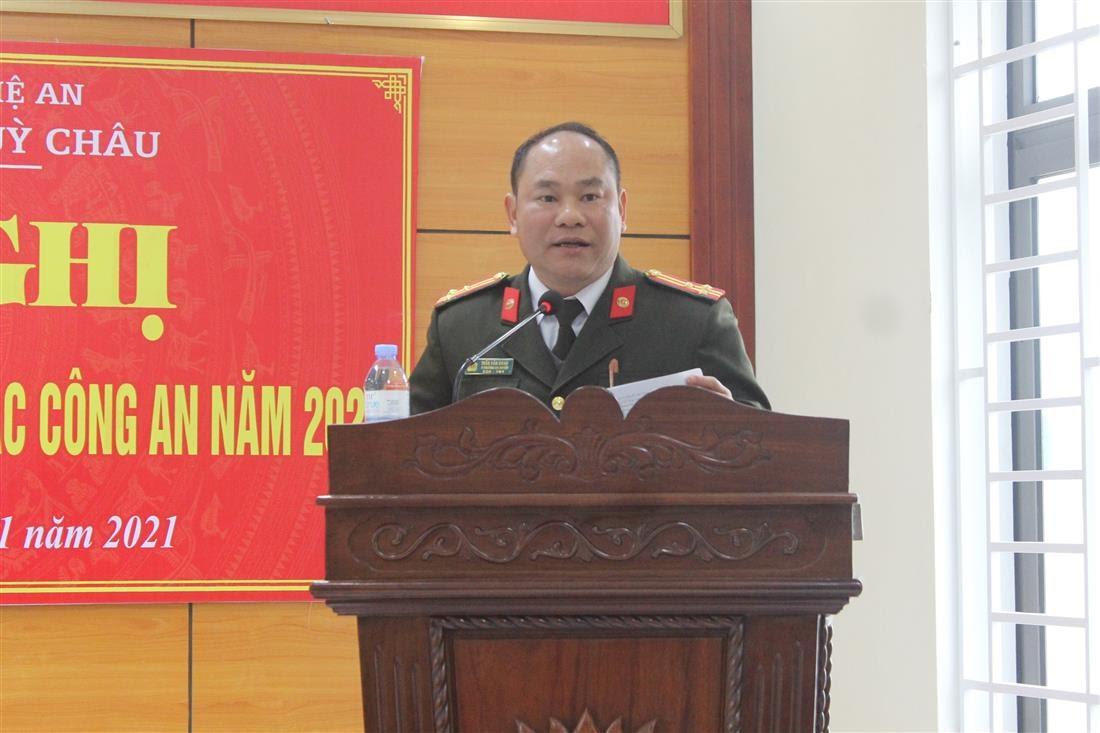 Đồng chí Thượng tá Trần Văn Đoan – Phó Trưởng Công an huyện Quỳ Châu phát biểu tại Hội nghị.