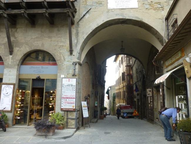 C:\Users\Gonzalo\Desktop\Documentos\Fotografías\La Toscana\103_PANA\103_PANA\P1030246.JPG