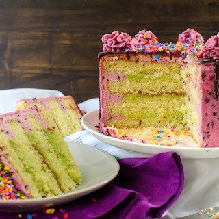 Kiwifruit Blackberry Vanilla Cake