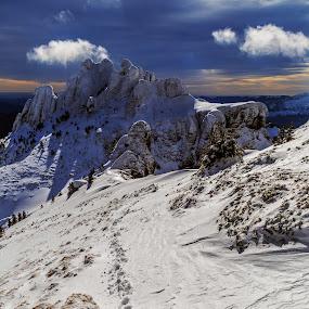 Ciucas  by Jeno Major - Landscapes Mountains & Hills ( mountains, winter, snow, romania, landscapes, frozen )