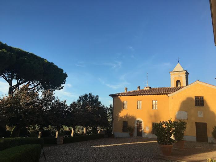 Villa Granducale di Alberese, la chiesa di Sant'Antonio abate, incorporata tra la villa ed altri edifici