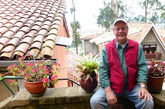 Photo: Marty in entry of Eduardo Vega studio, Cuenca