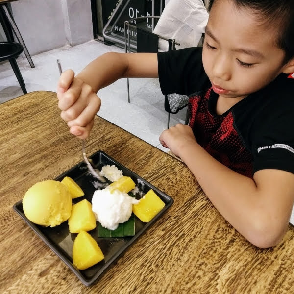 mango rice ice cream dessert