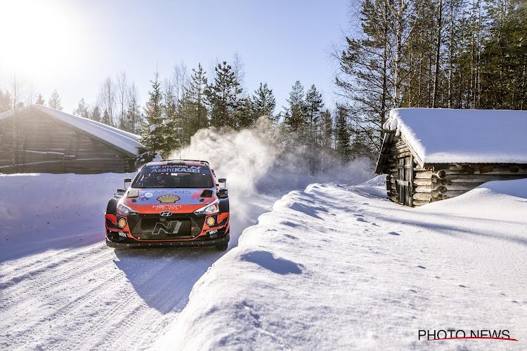 Thierry Neuville rijdt in de sneeuw ook naar podiumplaats in Arctic Rally en schuift in WK-stand op naar plek twee
