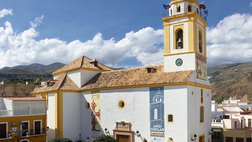 Vista exterior de la Iglesia de Canjáyar, emblema del municipio.