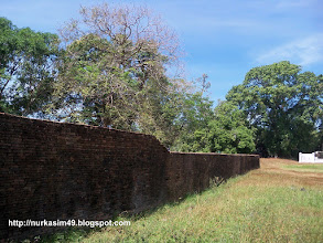 Photo: Benteng Sanrobone, Takalar, Indonesia, dibangun pada tahun 1515-1520. http://nurkasim49.blogspot.ae/2011/12/ii.html