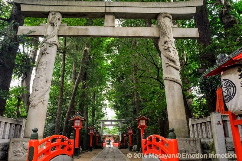 馬橋稲荷神社の鳥居 class=