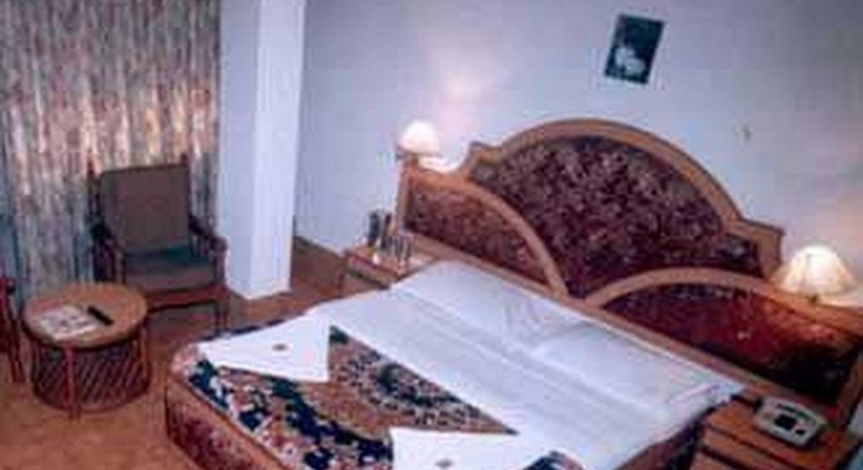 Hotel Maneck Residency