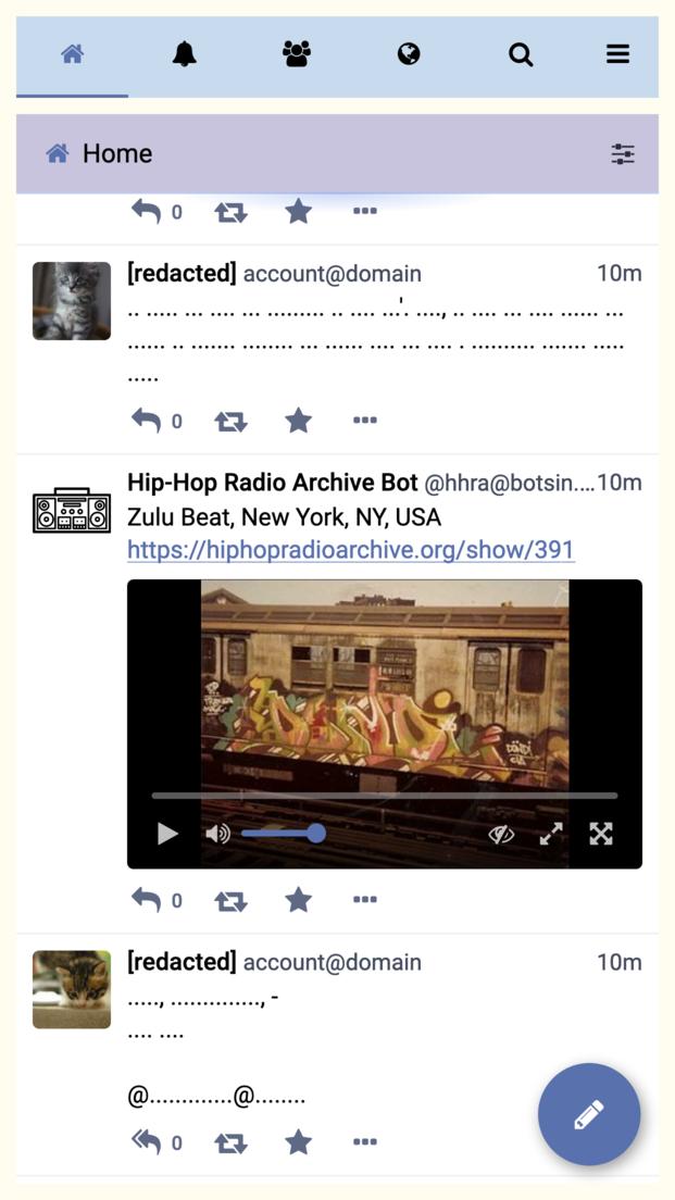 携帯端末のブラウザに表示されたFriend Campのスクリーンショット。Twitterに似ている。