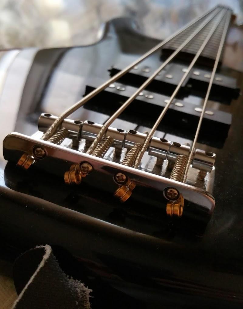 Bass Lines di Emanuele_1974
