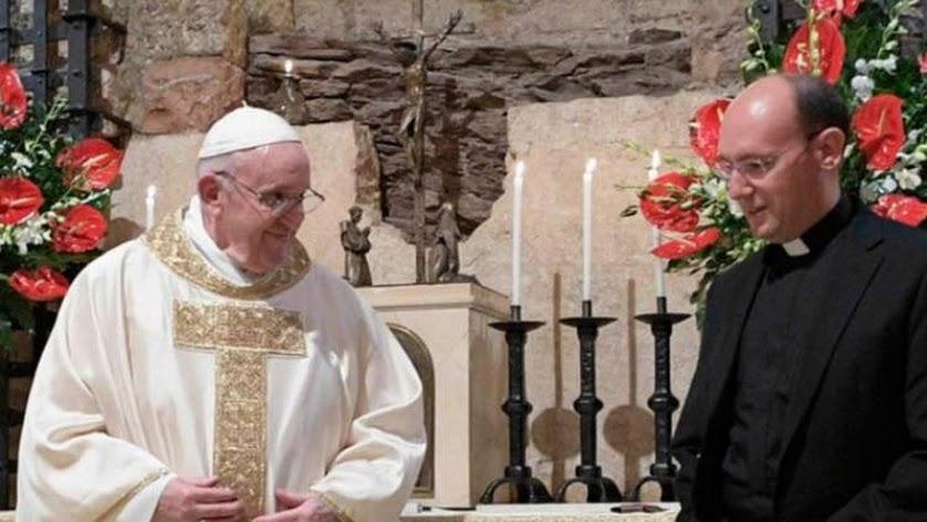 Cruz Serrano, junto al papa Francisco.