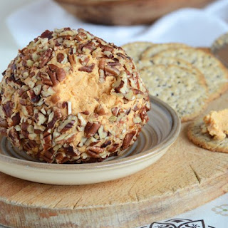 Cheddar Blue Cheese Ball