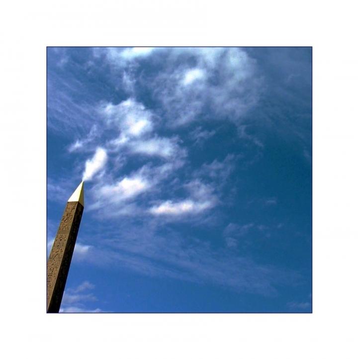 Chi disegna nubi nel cielo di Parigi? di d