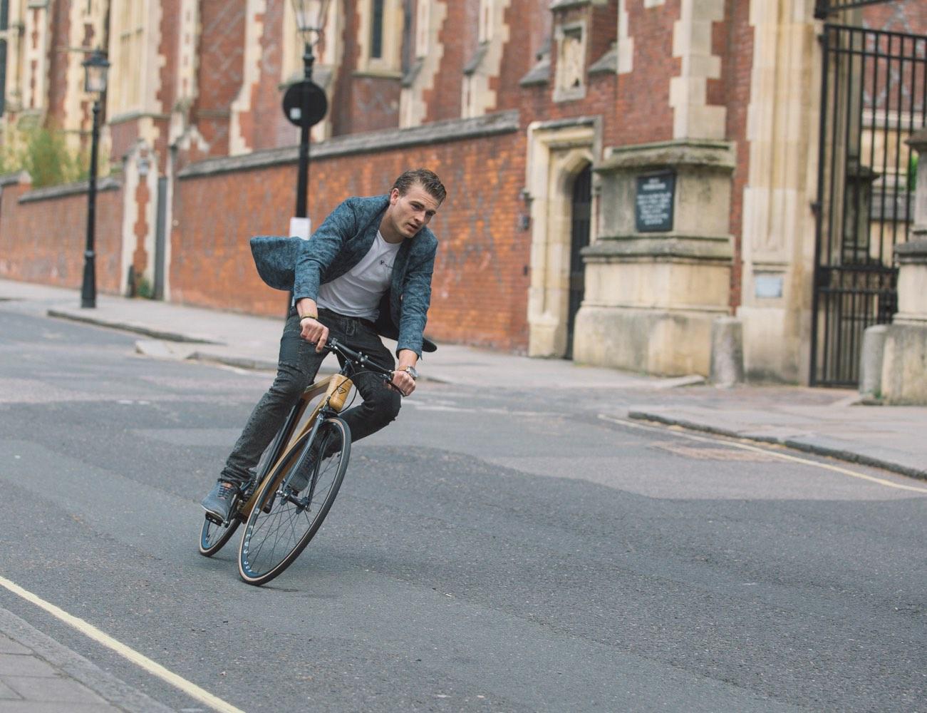 Svarog-City-Bike-by-Tratar-Bikes-02.jpg