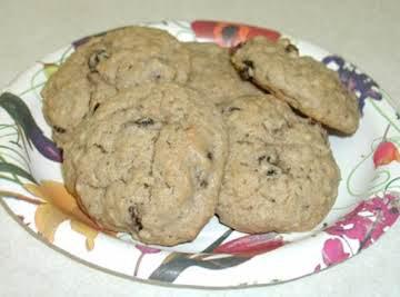 Moist Oatmeal Cookies