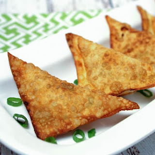 Cheese Appetizers with Chicken, Green Onion and Bacon.