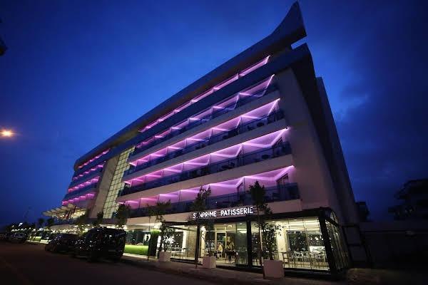 C Lounge Hotel