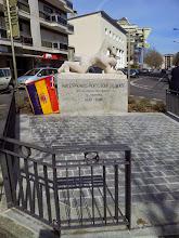 """Photo: Commémoration du 84ème anniversaire de la proclamation de la 2ème République Espagnole devant le """"Monument aux Espagnols"""" à Annecy, avenue de Genève."""