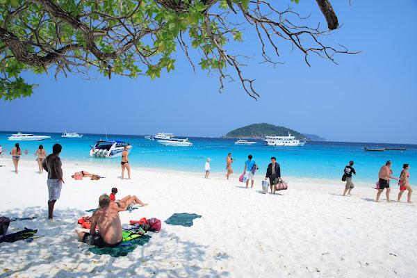 Explore Koh Miang Beach