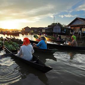 Jukung by Ikhsan Effendi - Transportation Boats