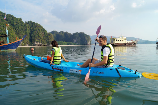 Start paddling from the launching point into Ao Thalane Bay