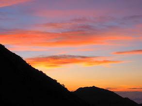 Photo: 朝焼けとアサヨ峰