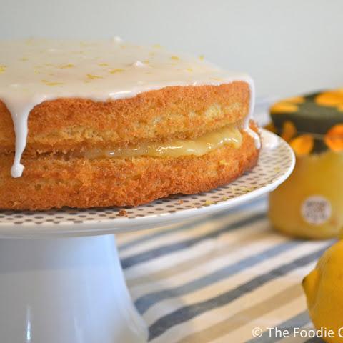 Victorian Sponge Cake With Lemon Curd And Cream