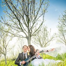 Wedding photographer Jakub Viktora (viktora). Photo of 28.04.2015