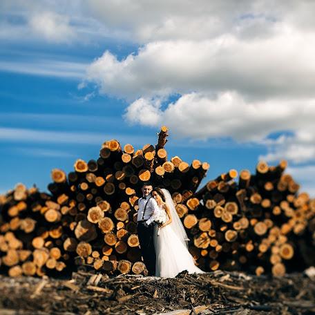Wedding photographer Yakov Kunicyn (mightymassa). Photo of 23.08.2017