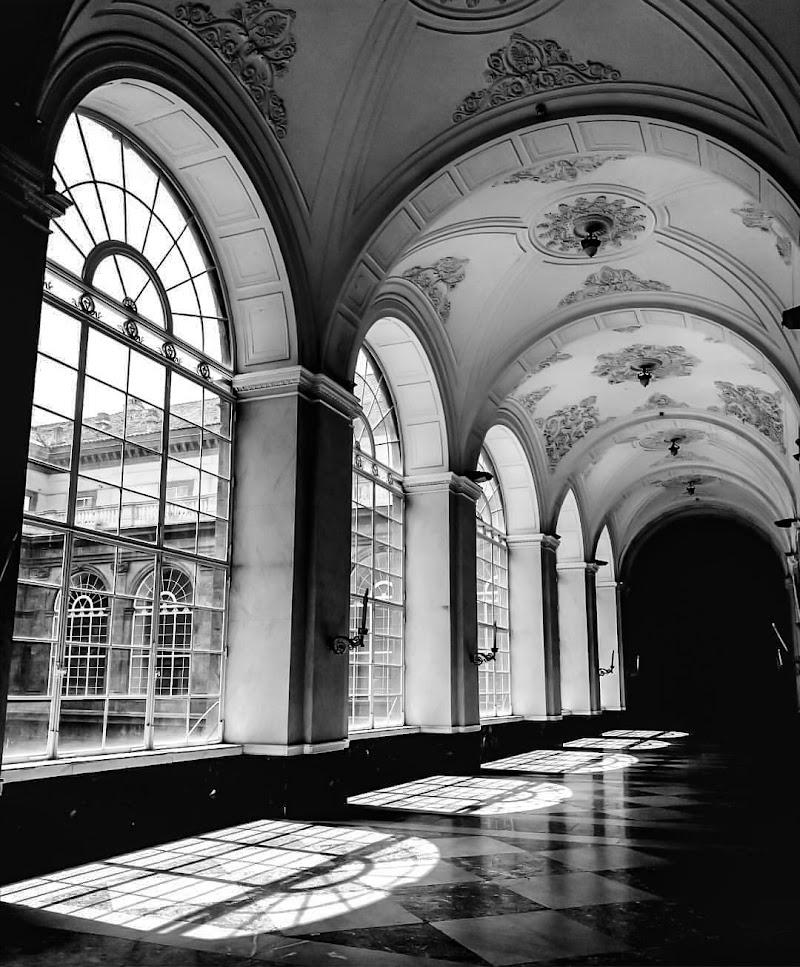 Le ombre delle grandi finestre di attilio_corso